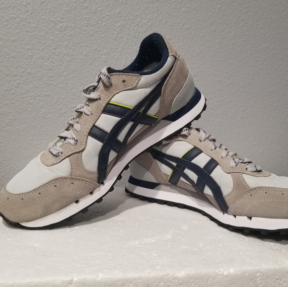 buy online 4d32c a12a6 Onitsuka Tiger Women's D4S1N Sneakers sz 6.5 Suede